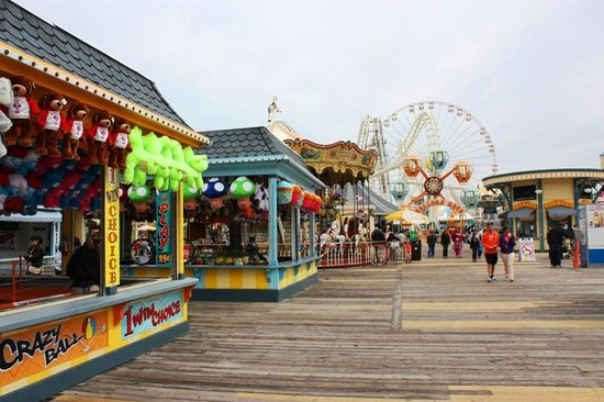 Morey's Piers and Beachfront Water Parks : One of the views of the pier