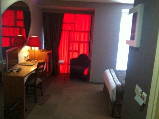 All Seasons Hotel: zimmer