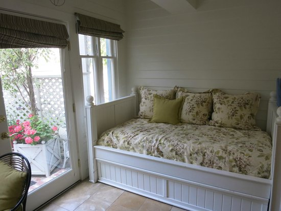 Channel Road Inn - A Four Sisters Inn: Petite suite, 2nd bedroom