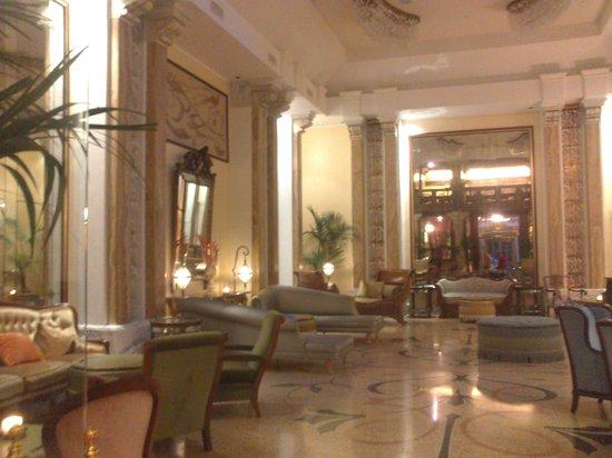 Grand Hotel Savoia: Lobby 2