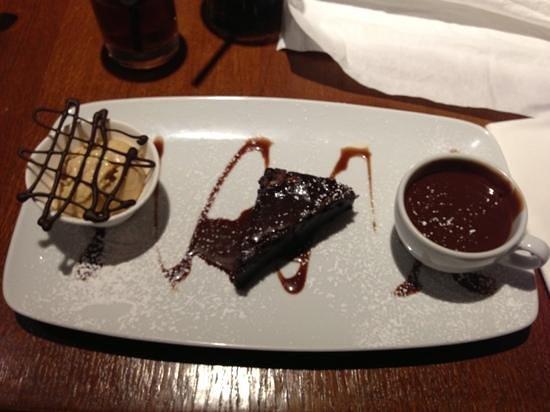 Biddestone Arms: chocoholics dessert