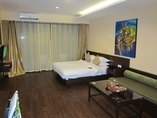 Devata Suites and Residence: spacious room