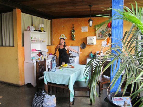 International Mochilero Backpacker's Guesthouse : kitchen