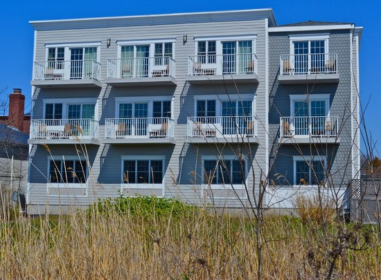Harborfront Inn at Greenport: Rooms that face the water