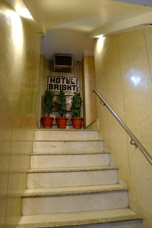 Hotel Bright: entry stairs
