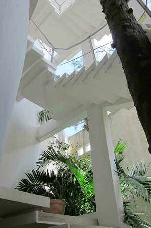 Mi Casa en Cozumel: Stairs to upper level
