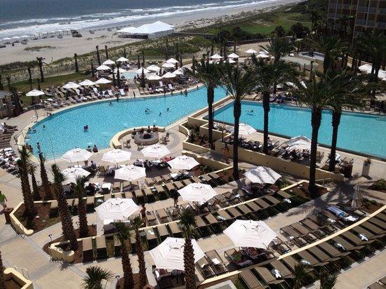 Omni Amelia Island Plantation Resort: Pool area of Omni resort