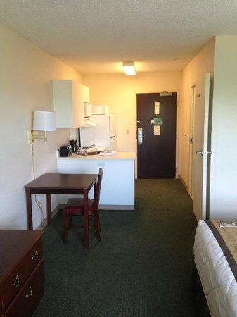 Extended Stay America - Fayetteville - Springdale: Kitchen 1