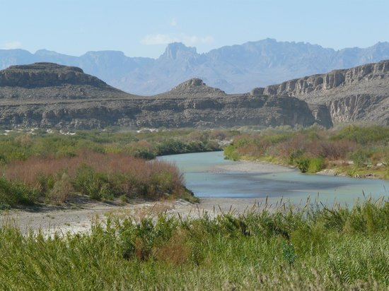Rio Grande Village Nature Trail: The Rio Grande and the Chisos Mountains.