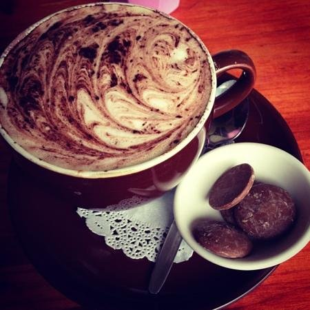The Chocolate Cottage: hot chocolate :) so yummy