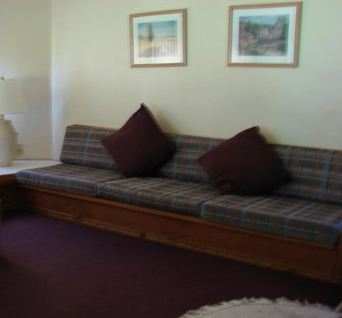 "Shawnee River Village 1: Living room ""couch"""
