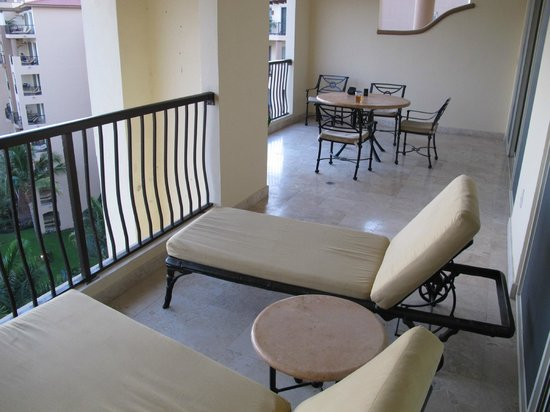 Villa del Palmar Flamingos: Balcony of one-bedroom unit