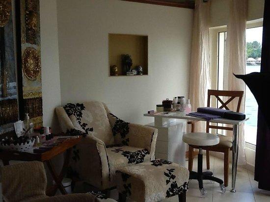 Arom'essence Spa: Double pedicure room