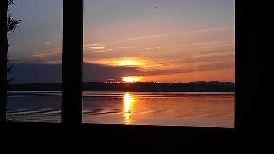 Castle Cove Inn: sunrise we woke up to