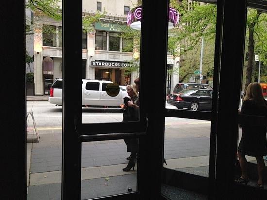 W Seattle: Starbucks across the street!!!