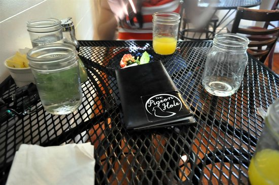 Pigeon Hole: Drinks are served in Mason Jars