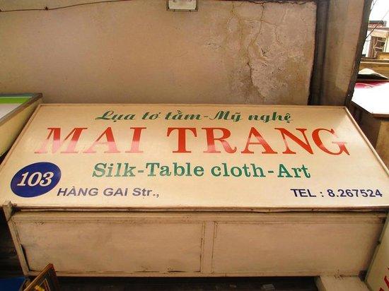 Hang Gai Street (Street of Hemp) : Mai Trang at Hang Gai