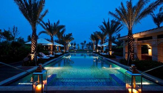 Tangguo Gelou Theme Hotel