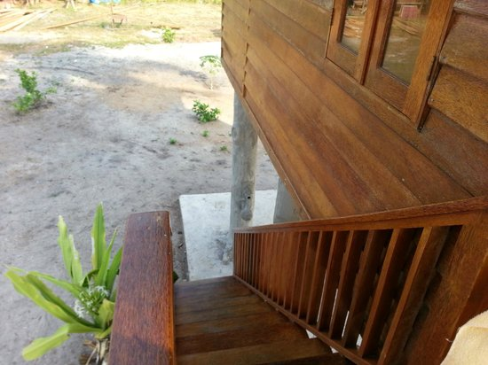 Marjoly Beach Resort : Stairs down from our room