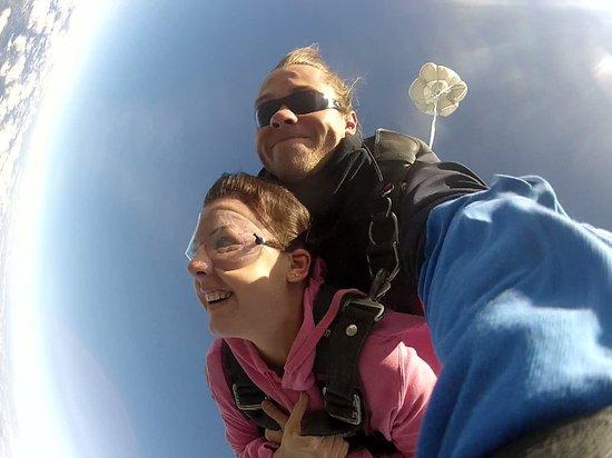 Skydive Yarra Valley: yeah...freefall!!!