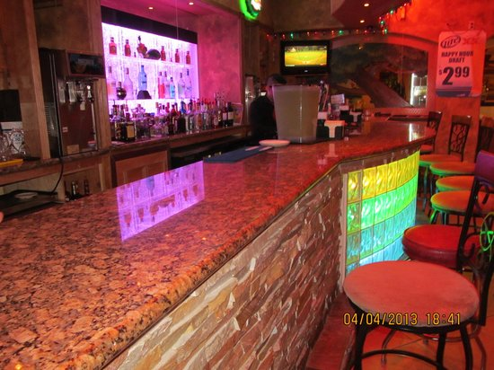 Hector's Mexican Bar and Grill: Bar, there are also 2 table booths at bar