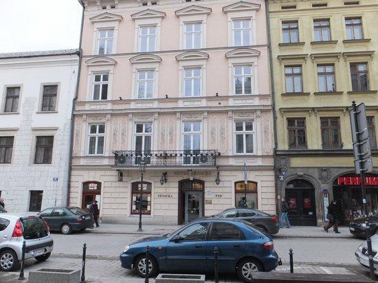Senacki Hotel: Exterior of the hotel.