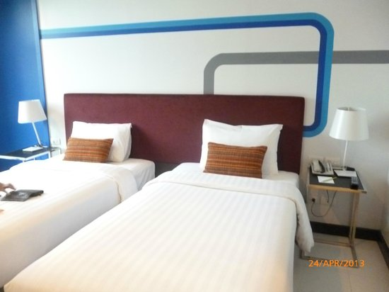 FX Hotel Metrolink Makkasan: The twin beds
