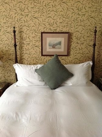 Roger Smith Hotel: bed