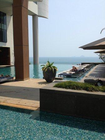 Sheraton Nha Trang Hotel and Spa: piscine