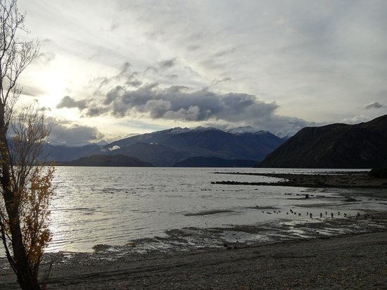 Riversong Bed & Breakfast: Sunset over Lake Wanaka