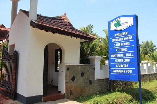 Tapovan Green County Resorts : Entrance