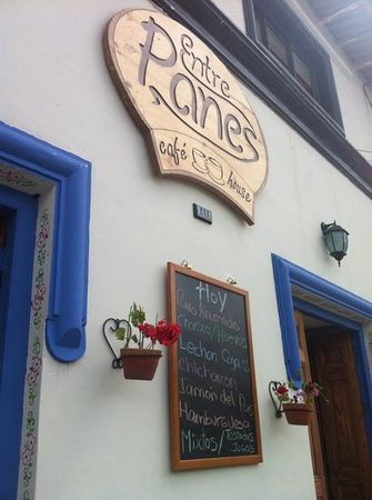 Entre Panes - Cafe House