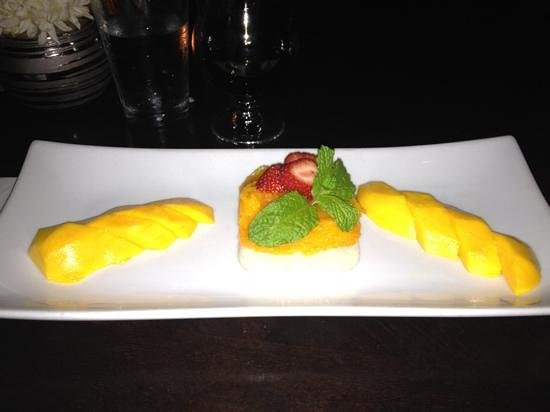 Thai Talay : mango sweet sticky rice dessert