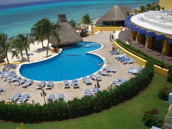 The Reef Golf and Beach Resort