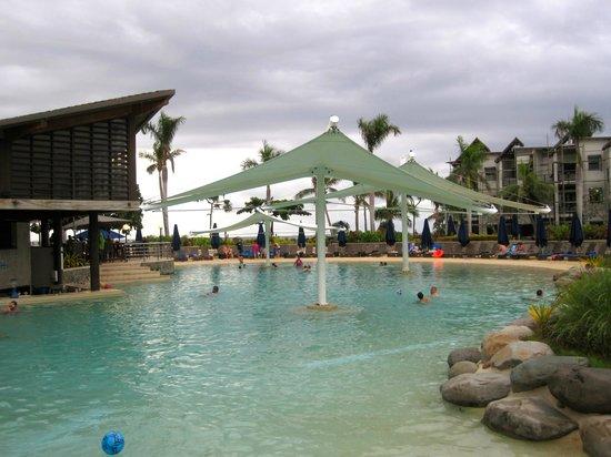 เรดิสัน บลู รีสอร์ท ฟิจิ เดนาเรา ไอส์แลนด์: pool