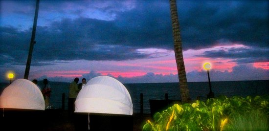 Radisson Blu Resort Fiji Denarau Island: sunset deck