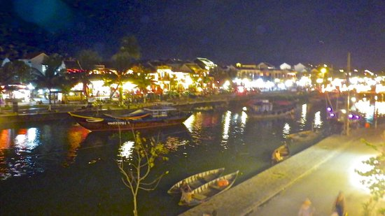 Four Seasons Resort The Nam Hai, Hoi An: Hoi An at night