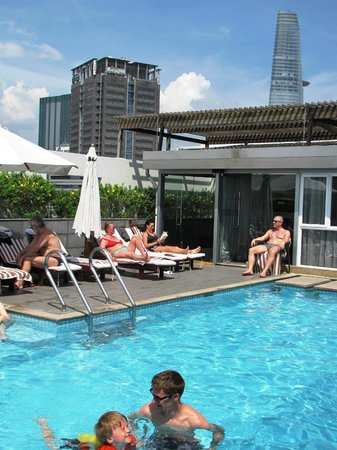 Liberty Central Saigon Centre Hotel: Rooftop pool