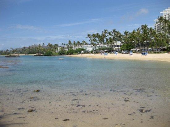 The Kahala Hotel & Resort: beach area