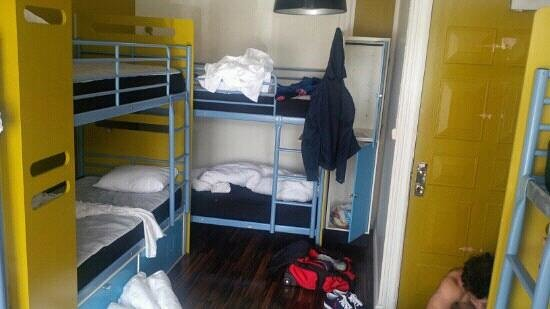 City Backpackers Hostel: One of the rooms