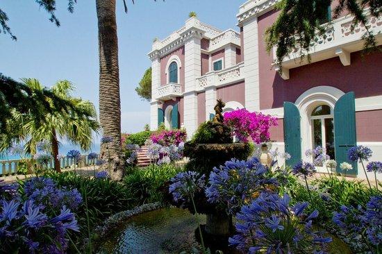 Villa Paola: Fontana giardino