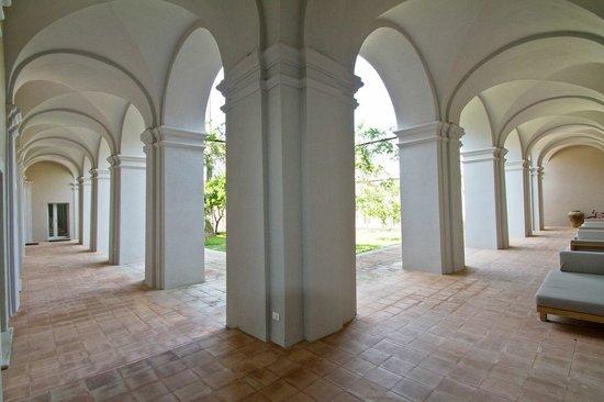 Villa Paola: Portico