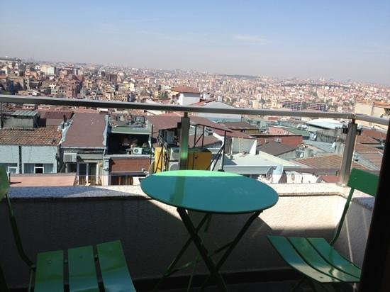 Emerald Hotel: The private terrasse has a splended view over the city