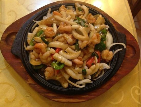 Restaurant La Perle: sizzling seafood