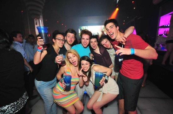Roo Night Club: Roo