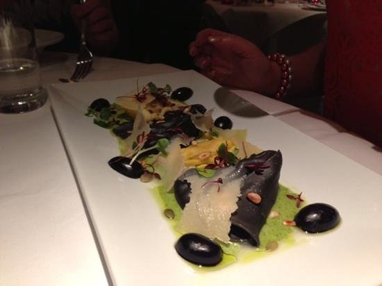 Di Paolo: Tortellacci On Salmone E Gamberi - Salmon & Prawn Tortellini