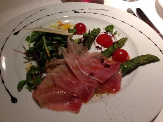 Di Paolo: Asparagi Con Pancetta Tirolese - Asparagus, Ham & Rocket Salad