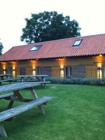 Three Tuns: Stand alone accommodation lodge style rooms