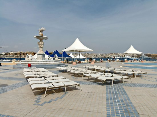 Excelsior Grand Hotel: hotel pool