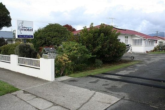Street view of Abbey Court Motel